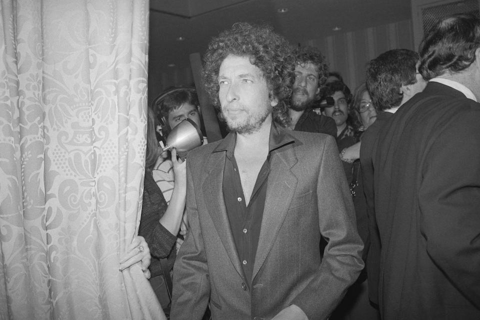 <p>Bob Dylan attends the awards for the Songwriters Hall of Fame in 1982.</p>