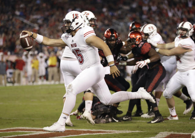 """<a class=""""link rapid-noclick-resp"""" href=""""/ncaaf/players/264422/"""" data-ylk=""""slk:Marcus Childers"""">Marcus Childers</a> took over as Northern Illinois' starting quarterback in 2017. (AP Photo/Gregory Bull, File)"""