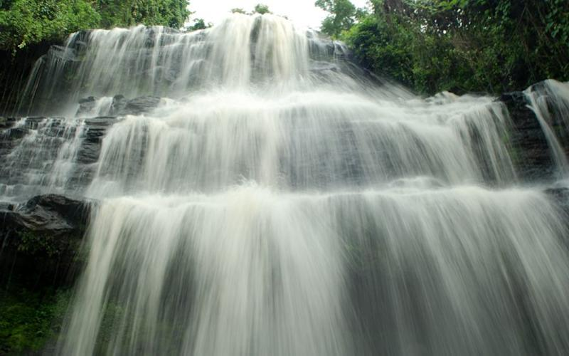 Accident at waterfall kills 20 high school students at Kintampo waterfalls, Ghana,