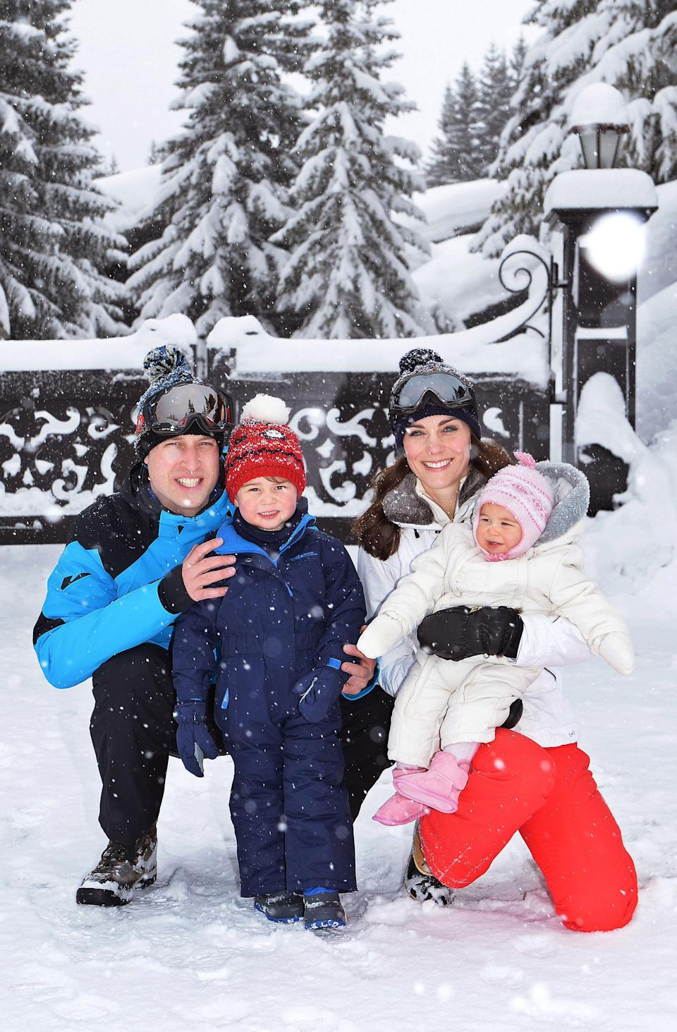 <p>A family photo in the snow is always a favourite, and just look how cute George and Charlotte look in their getups.</p>