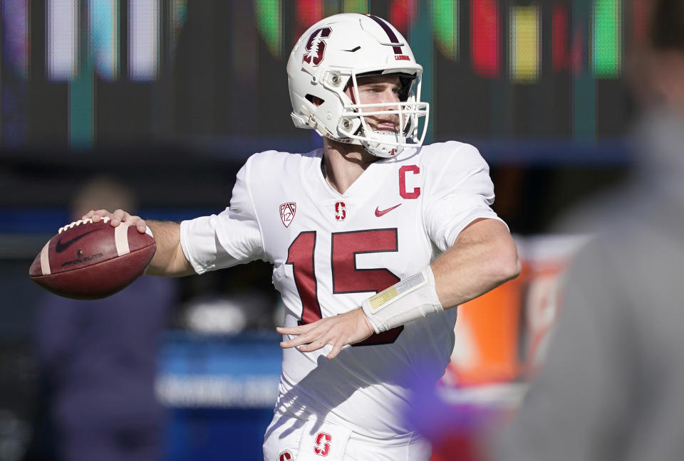BERKELEY, CALIFORNIA - NOVEMBER 27: Davis Mills #15 of the Stanford Cardinal warms up prior to the start of their NCAA football game against the California Golden Bears at California Memorial Stadium on November 27, 2020 in Berkeley, California. (Photo by Thearon W. Henderson/Getty Images)