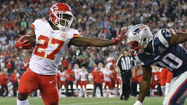 In our NFL picks and predictions for Week 6, Kansas City overcomes New England on the road to remain undefeated. Plus, speaking of unbeaten teams, Los Angeles keeps it rolling in Denver.
