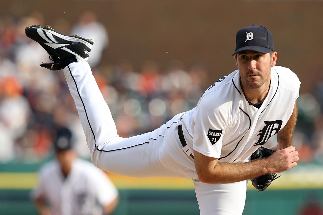 DETROIT, MI - OCTOBER 13:  Justin Verlander #35 of the Detroit Tigers throws a pitch against the Detroit Tigers in the first inning of Game Five of the American League Championship Series at Comerica Park on October 13, 2011 in Detroit, Michigan.  (Photo by Leon Halip/Getty Images)