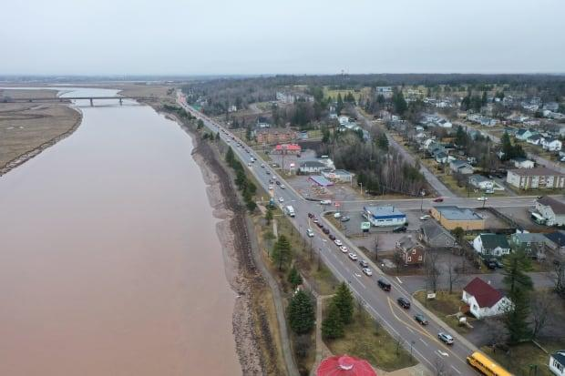 Traffic backed up on Coverdale Road in Riverview approaching the Gunningsville Bridge on April 6 during the first morning commute of the causeway closure.  (Shane Fowler/CBC - image credit)