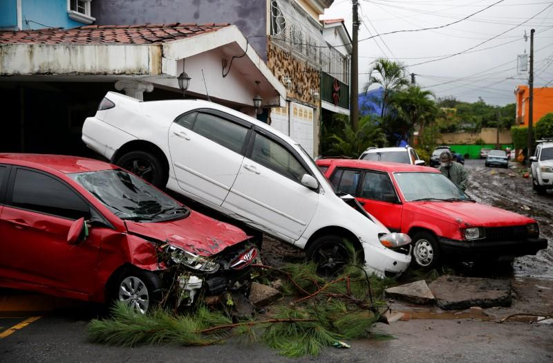 Deaths from Storm Amanda rise to 20 in Central America