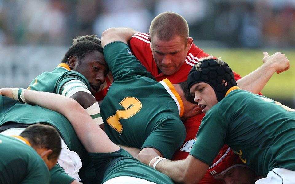 South Africa v British & Irish Lions First Test - 2009 British & Irish Lions Tour of South Africa - The ABSA Stadium, Durban, South Africa - 20/6/09 Lions' Phil Vickery (top) during a scrum - ACTION IMAGES