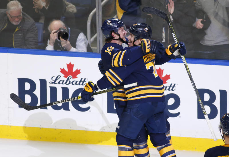 the best attitude 72228 533e6 Skinner scores 29th, Sabres get 5 in 2nd to beat Devils 5-1