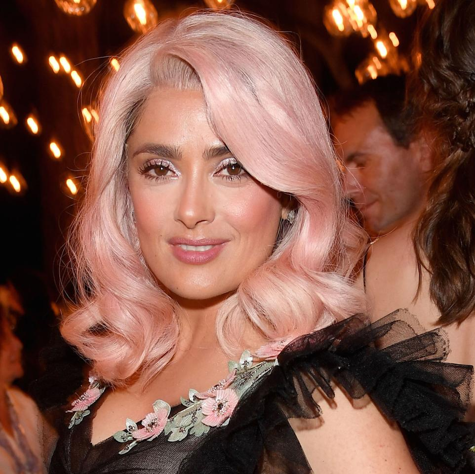 <p>The actress is owning her new pale pink tresses–the look issoold Hollywood meets modern day goddess.</p>