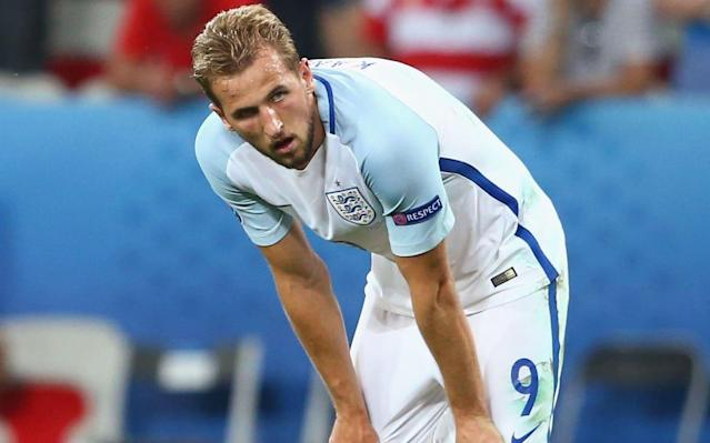 As Chelsea and Manchester United's England World Cup squad contingent head to the beaches for the week, and Liverpool's duo prepare for their Champions League date in Kiev, the physical and mental slog of football's hamster wheel starts again for 17 English footballers on Monday. Ahead of them lies a possible eight-week stretch of daily focus on the preparation and participation in the world's greatest tournament. Whether they can switch back on their physical and mental skills, individually and collectively, is the biggest unknown for Gareth Southgate and his medical and performance team. While England will be handicapped by not having their full squad together until June 4, Dave Reddin, head of team strategy and performance, and his team will have been preparing hard to ensure that the handover of players from clubs is smooth and ensure that wherever possible individual club-based fitness and load management programmes are adhered to. Quite a few of the players have not been regular starters for their teams, whilst the Leicester and Tottenham players have been involved week in week out for their team, compared to the Manchester City players who have in effect been celebrating more than training every week since they won the Premier League in April. The transitioning process will require compromises from the technical coaching team to give time and resources to bring the players up to a common fitness level. Conquering fatigue is the goal, in order to get the most of the forthcoming training block and avoid a slump in six weeks' time when England may be entering the latter stages of the tournament. England squad | World Cup 2018 Fatigue is different to fitness or weakness. It is a symptom and is subjective. There are certain markers but it comes on gradually and can stem from mental or physical causes. It can lead to lethargic movement and lapses in concentration. England's team management will need to rely on players self-reporting an individual wellness score dai