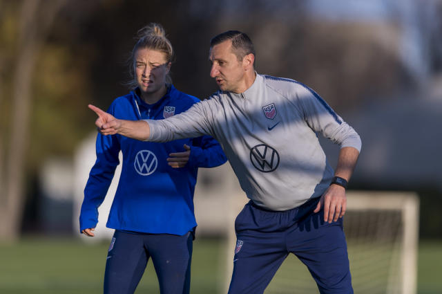 New USWNT head coach Vlatko Andonovski instructs defender Emily Sonnett at training in Columbus. (Brad Smith/ISI Photos/Getty Images).