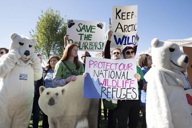 Advocates for protecting wildlife in the Arctic call on the Senate to drop Arctic refuge drilling from the Republican-crafted budget, Oct. 17, 2017. (Photo: Michael Reynolds/EFE/REX/Shutterstock)