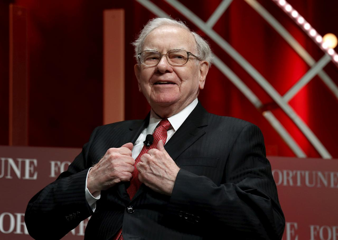 FILE PHOTO - Warren Buffett, chairman and CEO of Berkshire Hathaway, prepares to speak at the Fortune's Most Powerful Women's Summit in Washington, DC, U.S. on October 13, 2015.  REUTERS/Kevin Lamarque/File Photo