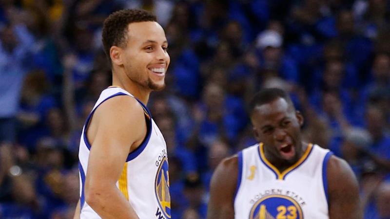 best website 072cd e495b Curry, Warriors beat Spurs to tie Bulls' 72-win mark