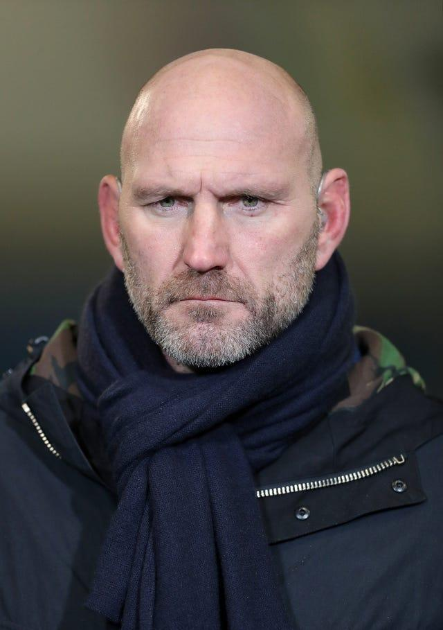 Lawrence Dallaglio has called for England to make changes