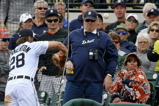 Detroit Tigers' first baseman Jordan Lennerton (28) cannot get to a foul ball hit into the stands by Atlanta Braves' Ramiro Pena during the sixth inning of an exhibition spring training baseball game in Lakeland, Fla., Thursday, Feb. 27, 2014. The Tigers won 5-2. (AP Photo/Gene J. Puskar)