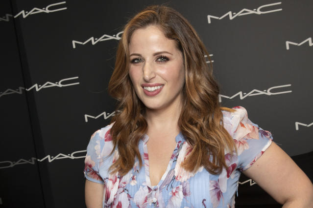 Clio Makeup (Photo by Rosdiana Ciaravolo/Getty Images)