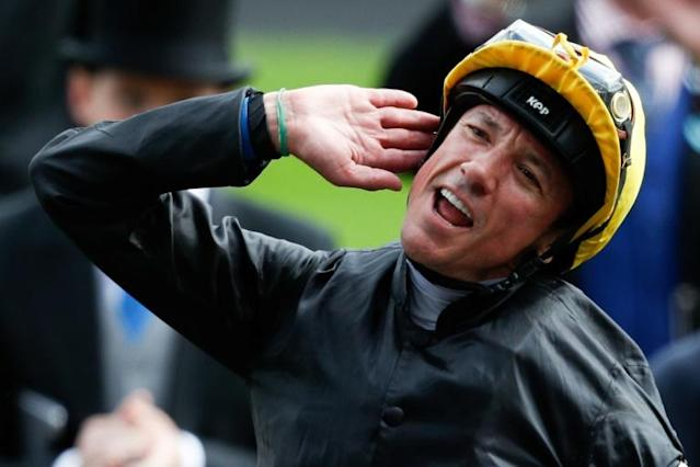 Dettori rides Stradivarius in the Gold Cup on Thursday (AFP Photo/Adrian DENNIS)
