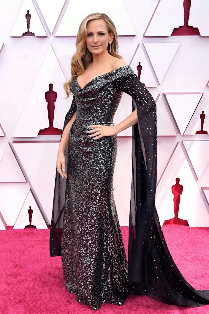 Marlee Matin Oscars 2021 red carpet (CHRIS PIZZELLO / AFP - Getty Images)