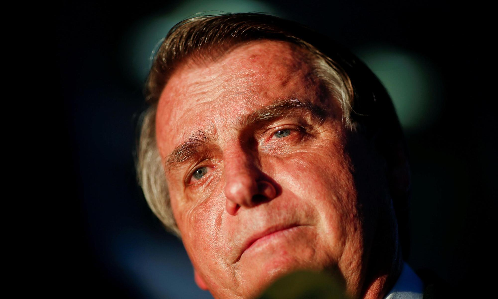 Bolsonaro in hospital as hiccups persist for more than 10 days