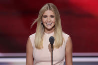 <p>Highlights and a middle part give Ivanka's soft makeup sleekness for the U.S. presidential election. (Photo: AP Images) </p>