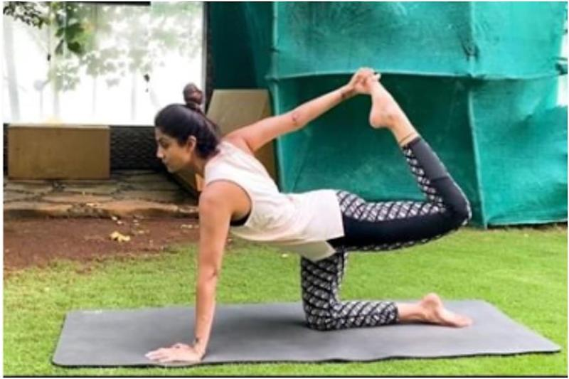 Shilpa Shetty Says Carrying Baby Daughter is Affecting Lower Back, Shows Yoga Exercises to Relieve Pain