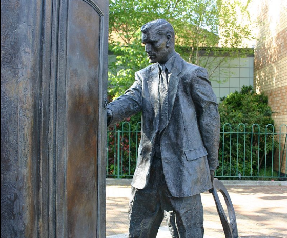 Statue of CS Lewis, and the wardrobe from his Narnia books