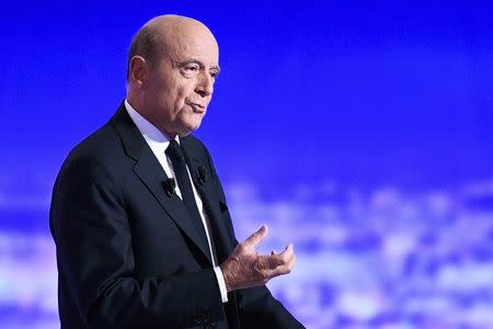 French politician Alain Juppe attends the first prime-time televised debate for the French conservative presidential primary in La Plaine Saint-Denis, near Paris, France, October 13, 2016.  REUTERS/Martin Bureau/Pool