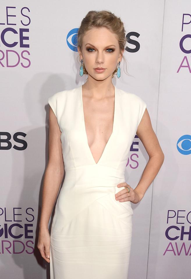LOS ANGELES, CA - JANUARY 09:  Singer Taylor Swift attends the 2013 People's Choice Awards at Nokia Theatre L.A. Live on January 9, 2013 in Los Angeles, California.  (Photo by Jeff Kravitz/FilmMagic)