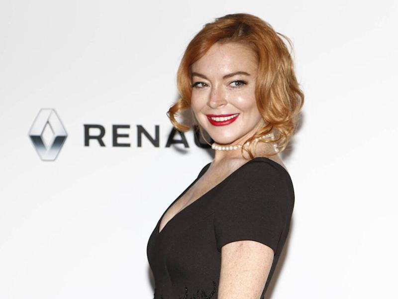 Lindsay Lohan sued over book deal
