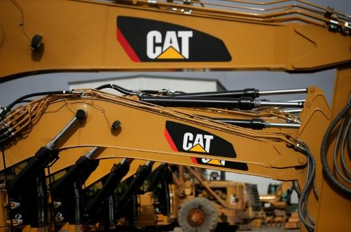 Caterpillar quarterly sales up for 1st time in 2-1/2 years