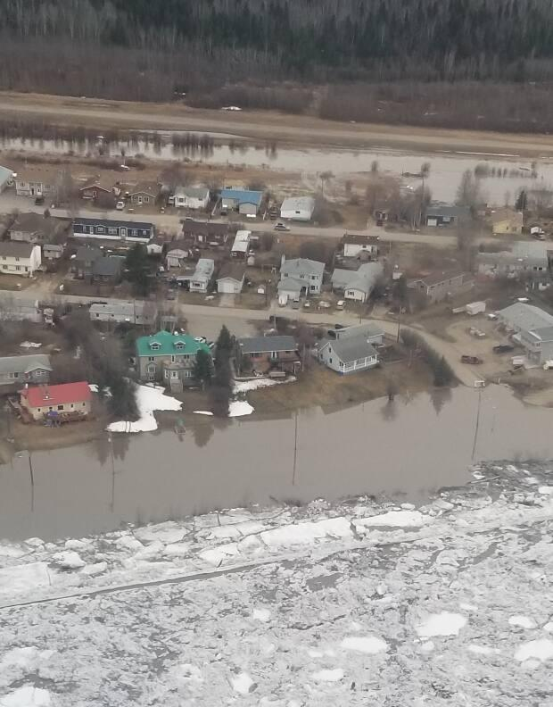 An aerial view of the flooding that hit Fort Simpson last week. (Christine Horesay - image credit)