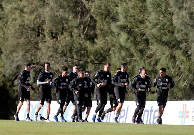 Football Soccer - Uruguay's national soccer team training - World Cup 2018 - Montevideo, Uruguay - May 22, 2018 - Uruguay's players attend a training session. REUTERS/Andres Stapff