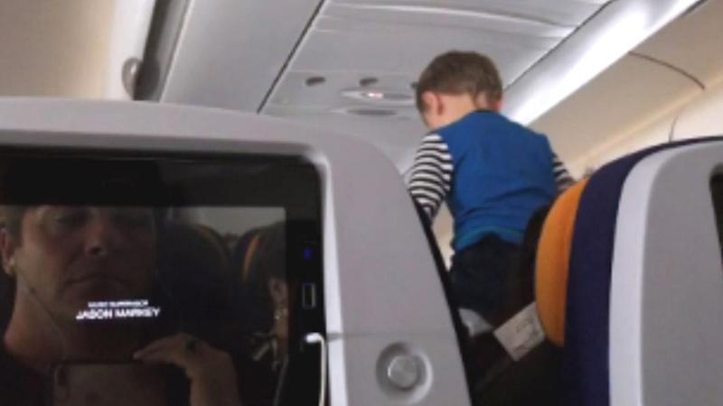 Passengers Recall 'Flight From Hell' After 3-Year-Old Screamed for 8 Hours Straight