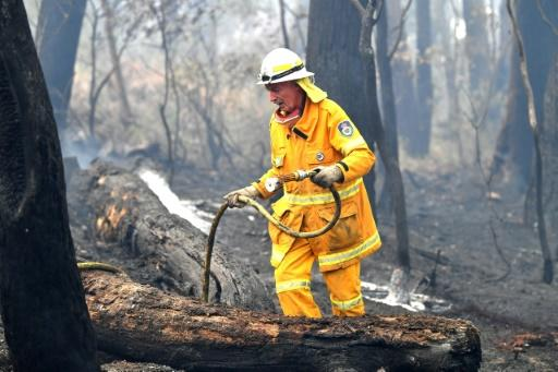 Firefighters are bracing for bushfire conditions to worsen on New Year's Eve with temperaturs expected to soar in the coming days
