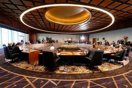 Leaders attend the retreat session of the APEC Summit in Port Moresby, Papua New Guinea