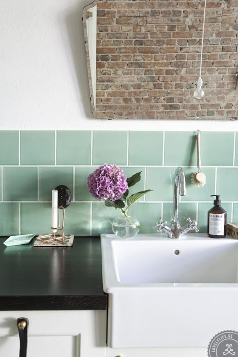 Say Hello To The New Bathroom Tile Trend