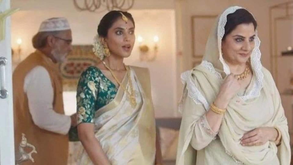 "Tanishq withdraws advertisement, accused of glorifying ""Love Jihad"""