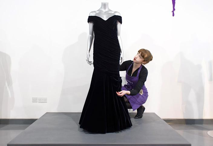 Image: FILES-BRITAIN-ROYALS-FASHION-AUCTION (Leon Neal / AFP - Getty Images)
