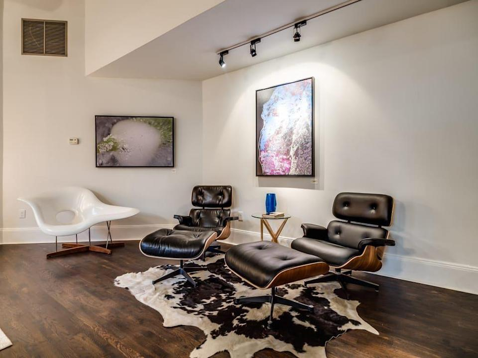 """<p>""""Loved this cute store! They have unique furniture! Lots of great modern styles and great quality! I loved all their light fixtures and single chairs. This is a great place to go if you looking for modern style pieces. The art work in there is great too,"""" <a href=""""https://www.yelp.com/biz/urban-consign-and-design-hoboken"""" rel=""""nofollow noopener"""" target=""""_blank"""" data-ylk=""""slk:Chelsea W"""" class=""""link rapid-noclick-resp"""">Chelsea W</a>.</p><p><strong>Visit the store</strong>: 650 Newark St, Hoboken, NJ </p>"""