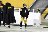 Pittsburgh Steelers quarterback Ben Roethlisberger (7) stands on the sideline during the final minute of the second half of an NFL football game against the Washington Football Team in Pittsburgh, Monday, Dec. 7, 2020. (AP Photo/Barry Reeger)