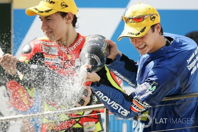 "Podium : Jorge Lorenzo et Dani Pedrosa <span class=""copyright"">Gold and Goose / Motorsport Images</span>"