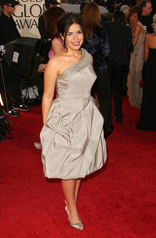 "America Ferrera (""Ugly Betty"") kept it short and sweet in a gray Oscar de la Renta frock. Vince Bucci/<a href=""http://www.wireimage.com"" target=""new"">WireImage.com</a> - January 11, 2009"