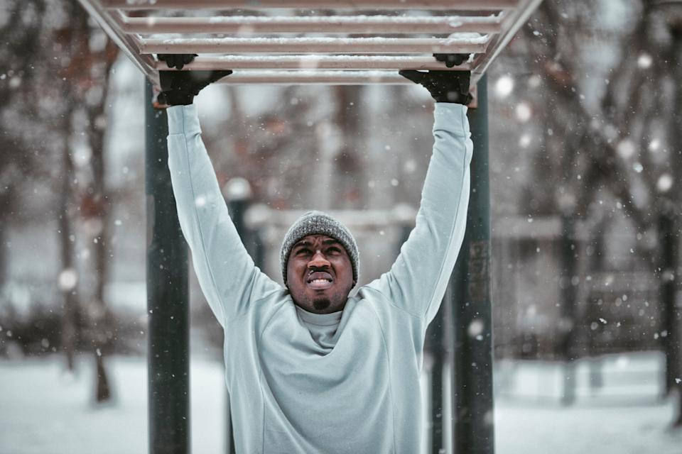 What are the benefits of cold weather exercise? (Getty Images)