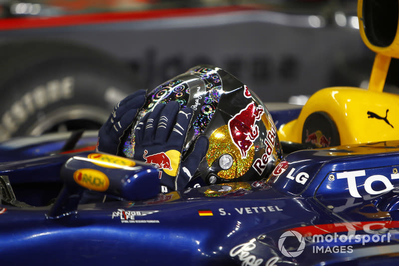"Sebastian Vettel, Red Bull Racing RB6<span class=""copyright"">Glenn Dunbar / Motorsport Images</span>"