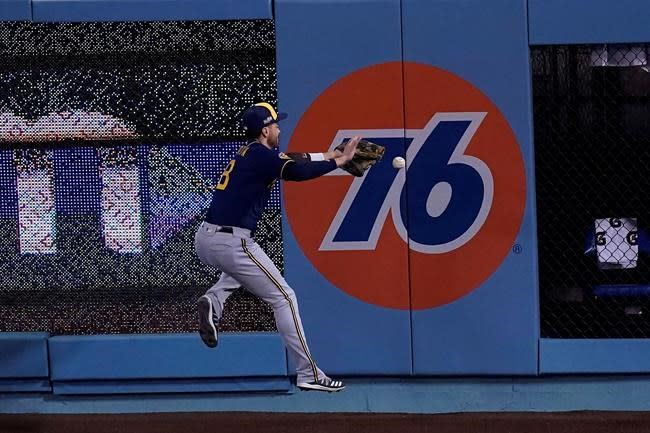 Braun out of Brewers' lineup for elimination game vs Dodgers