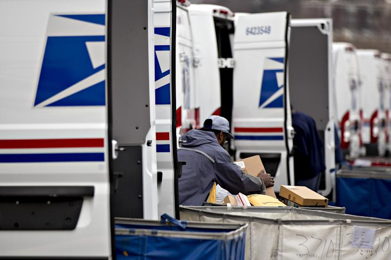 Trump pulling US  out of worldwide  pact on postal rates