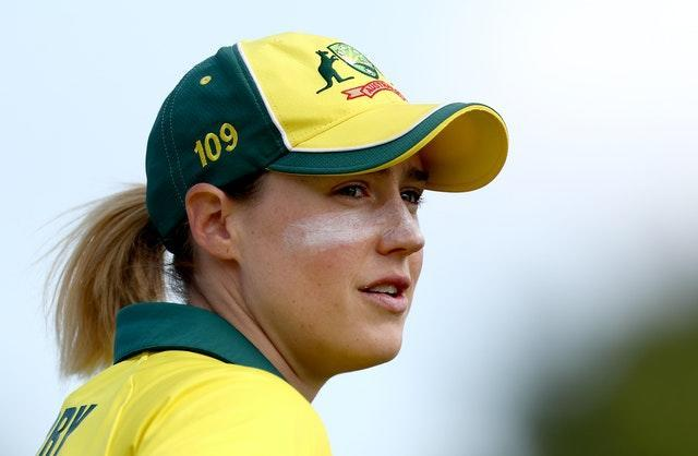Ellyse Perry was a senior international footballer and cricketer at the age of 16