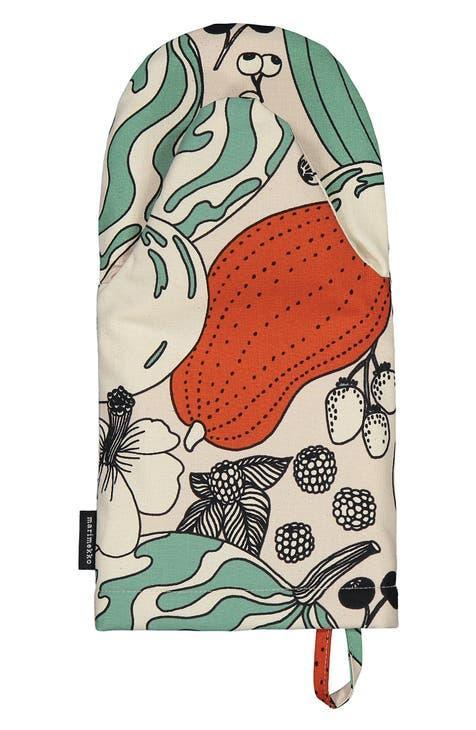 """<h2>Vihannesmaa Tarhuri Oven Mitt<br></h2><br>Are her cabinets filled with stained, charred polyester heat-proof gloves that have been kicking around since you were in short pants? Upgrade her stash of kitchen essentials with this vintage-inspired oven mitt from Marimekko — one of our most favorite mom-approved brands. <br><br><em>Shop <a href=""""https://www.nordstrom.com/brands/marimekko--5541"""" rel=""""nofollow noopener"""" target=""""_blank"""" data-ylk=""""slk:Marimekko"""" class=""""link rapid-noclick-resp""""><strong>Marimekko</strong></a> at Nordstrom</em><br><br><strong>Marimekko</strong> Vihannesmaa Tarhuri Oven Mitt, $, available at <a href=""""https://go.skimresources.com/?id=30283X879131&url=https%3A%2F%2Fwww.nordstrom.com%2Fs%2Fmarimekko-vihannesmaa-tarhuri-oven-mitt%2F5821329"""" rel=""""nofollow noopener"""" target=""""_blank"""" data-ylk=""""slk:Nordstrom"""" class=""""link rapid-noclick-resp"""">Nordstrom</a>"""