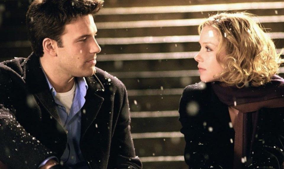 ben affleck and christina applegate in surviving christmas still