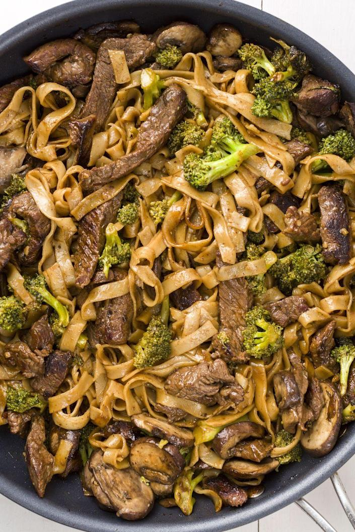 """<p>Have your noodles, beef, and your flat abs, too.</p><p>Get the recipe from <a href=""""https://www.delish.com/cooking/recipe-ideas/recipes/a45477/beef-and-broccoli-noodles-recipe/"""" rel=""""nofollow noopener"""" target=""""_blank"""" data-ylk=""""slk:Delish"""" class=""""link rapid-noclick-resp"""">Delish</a>. </p>"""